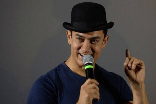 Aamir Khan breaks Salman Khan's record with Dhoom 3